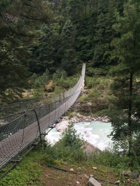 Uma das inúmeras pontes por onde passamos!