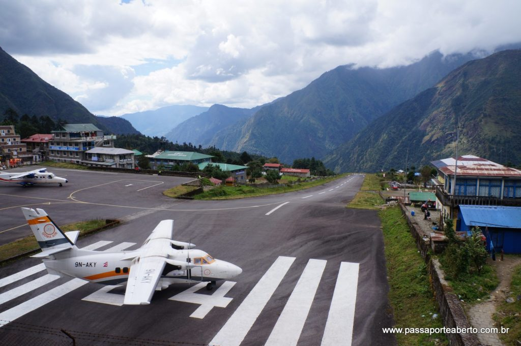 Só não precisa ser esse tipo de avião como o de Lukla, no Nepal!