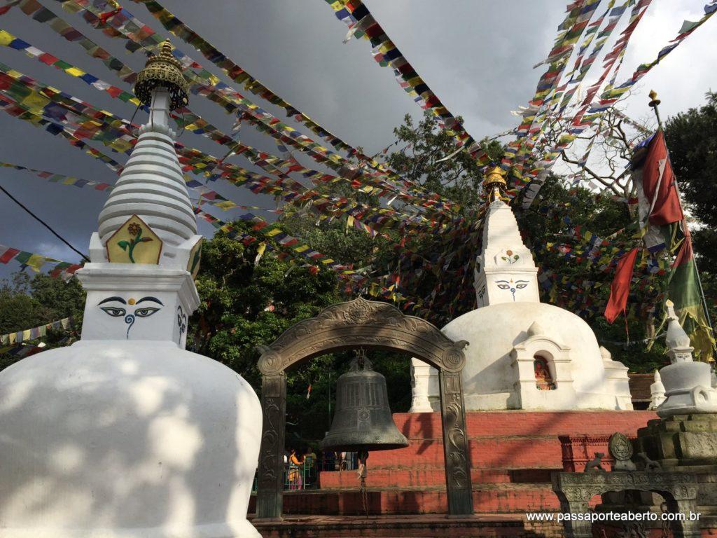 Vista da entrada Oeste de Swayambhunath