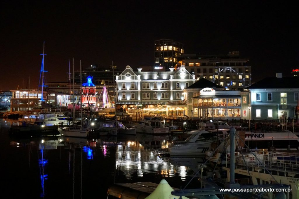 V&A Waterfront durante a noite!