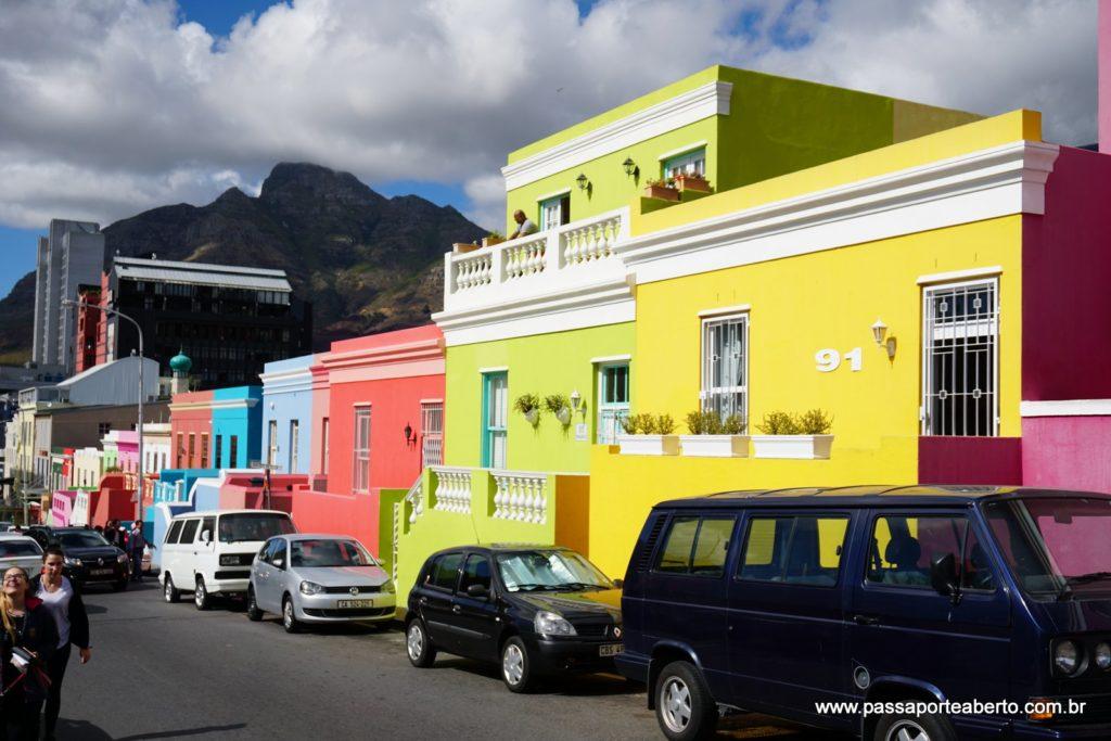 Casinhas coloridas e simpáticas no bairro Malai!