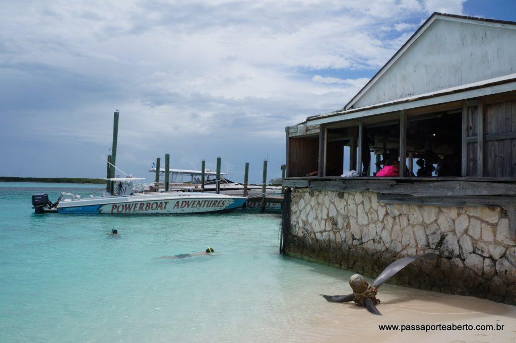 Segunda parada: Ship Channel Cay! Esse era o restaurante da ilha!