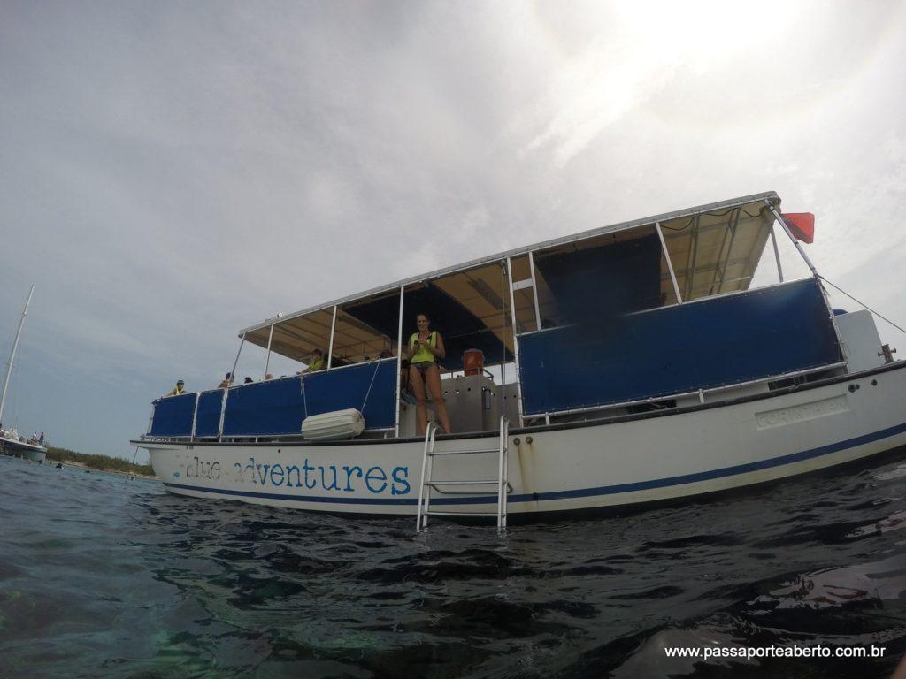 Catamarã do passeio de snorkel!