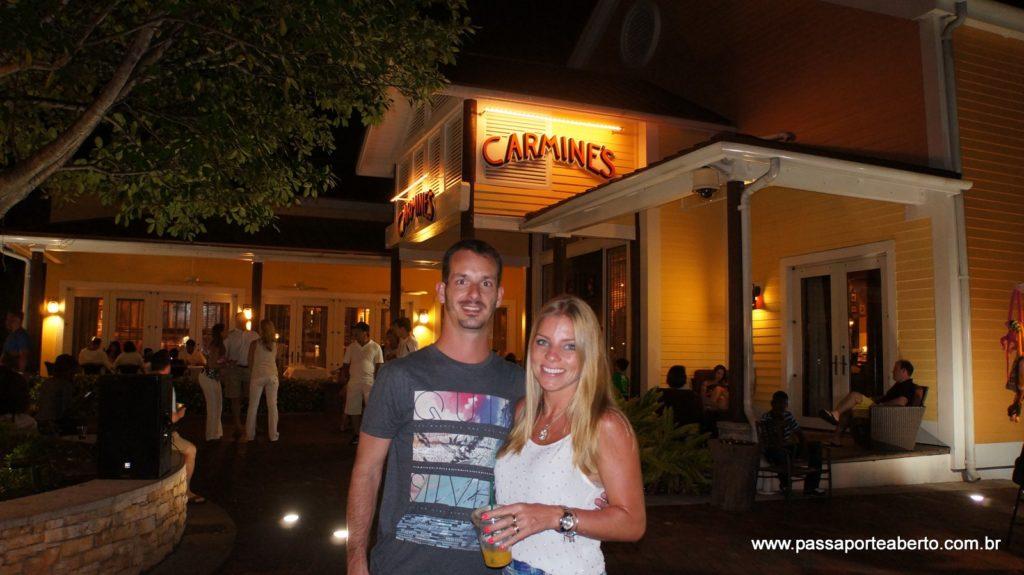 O local deste restaurante é muito bonito e bem no coração da Marina Village!