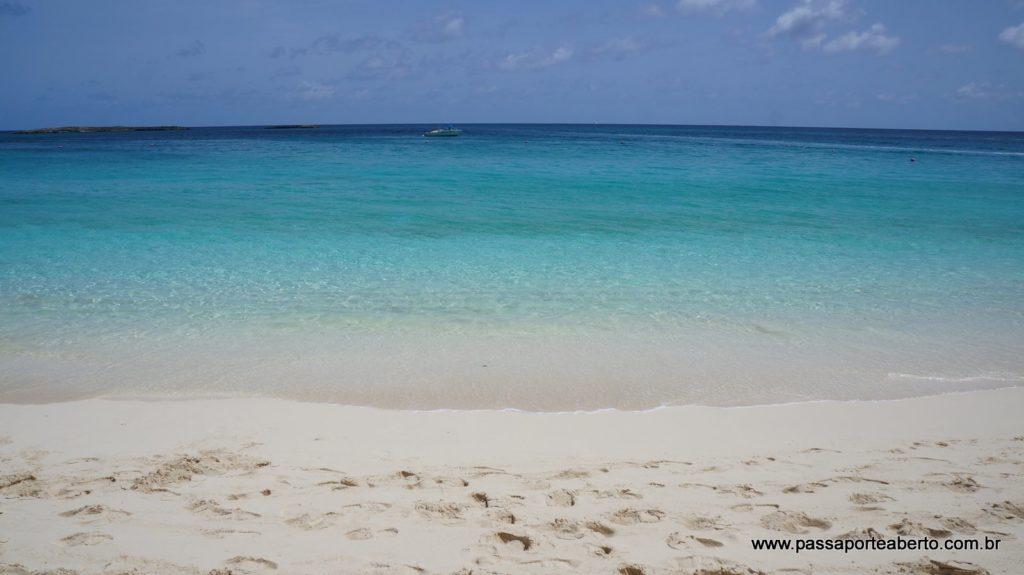 Paradise Beach, a praia do nosso hotel, era assim!
